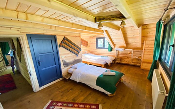 Aile Balkonlu Konak Odası(normal oda)